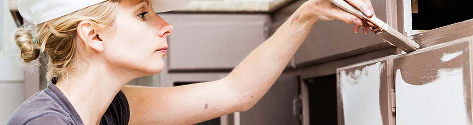 In 5 Stappen Uw Oude Meubels Opknappen Door Ze Te Verven